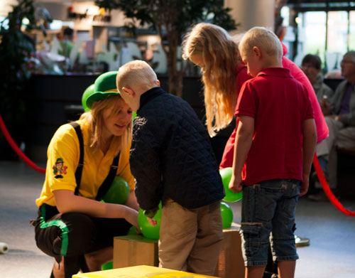 BallonVærksted Hørsholm - Børn hjælper